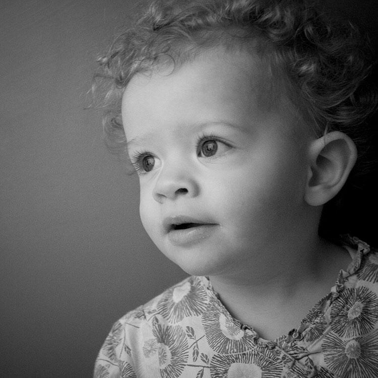 Baby-photography-daisy