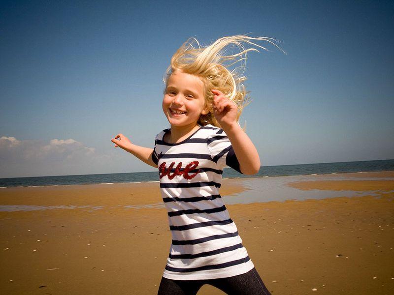 Beach-shoot-girl